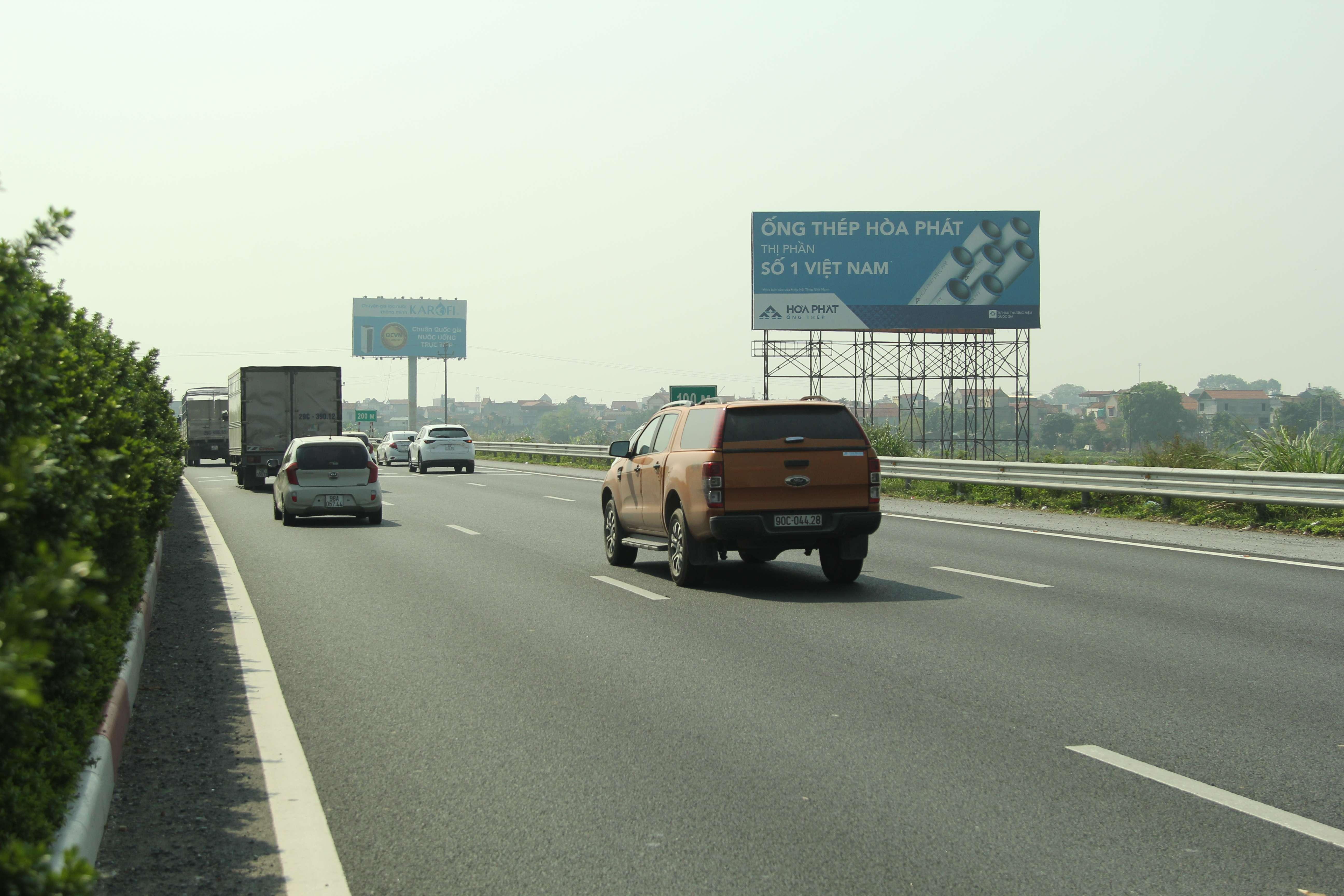Những vị trí quảng cáo tấm lớn đắc địa nhất trục quốc lộ miền Bắc