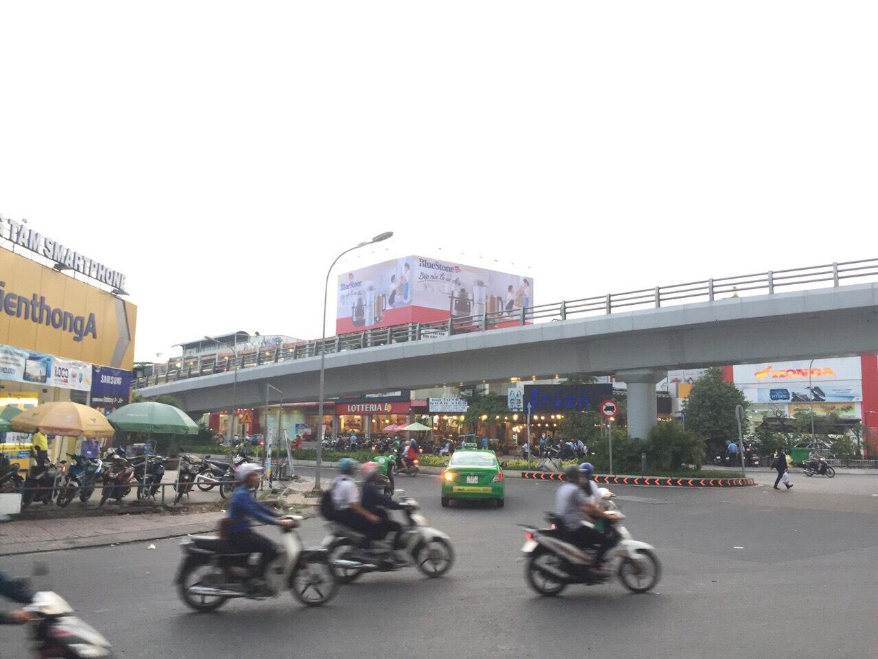 Màn hình gắn tòa nhà số 1 Quang Trung