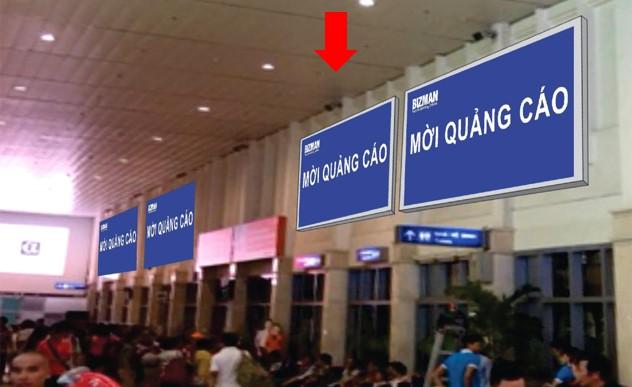 Vị trí DA04: Bảng ốp tường phía trên khu vực check-in, Ga đi Quốc nội