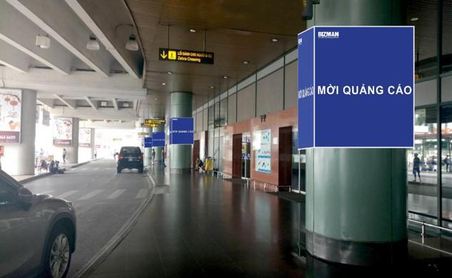 Vị trí OP212 – OP221: 10 Hộp đèn ốp trụ cột khu công cộng ngoài nhà ga, làn xe đón khách, tầng 1, nhà ga T1