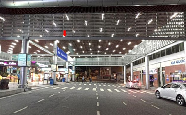 Vị trí DS09: Bảng hộp đèn thả trần sảnh công cộng bên ngoài Ga đến tầng 1 Quốc nội