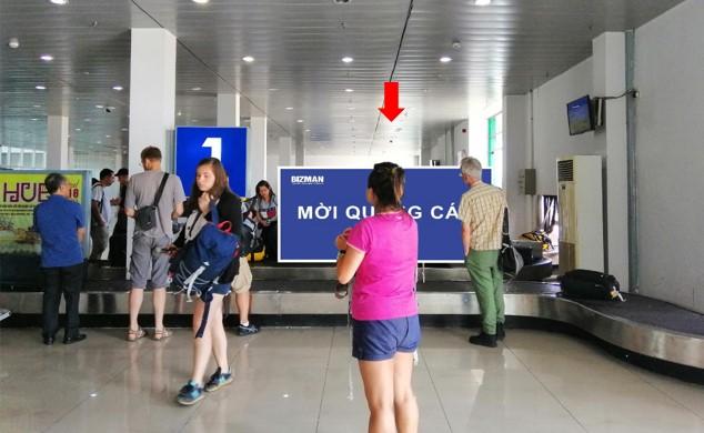 Vị trí DA01: Bảng quảng cáo nằm trên băng chuyền hành lý khu vực cách ly Ga đến