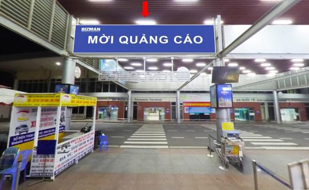 Vị trí DS10: Bảng hộp đèn thả trần sảnh công cộng bên ngoài Ga đến tầng 1 Quốc Nội
