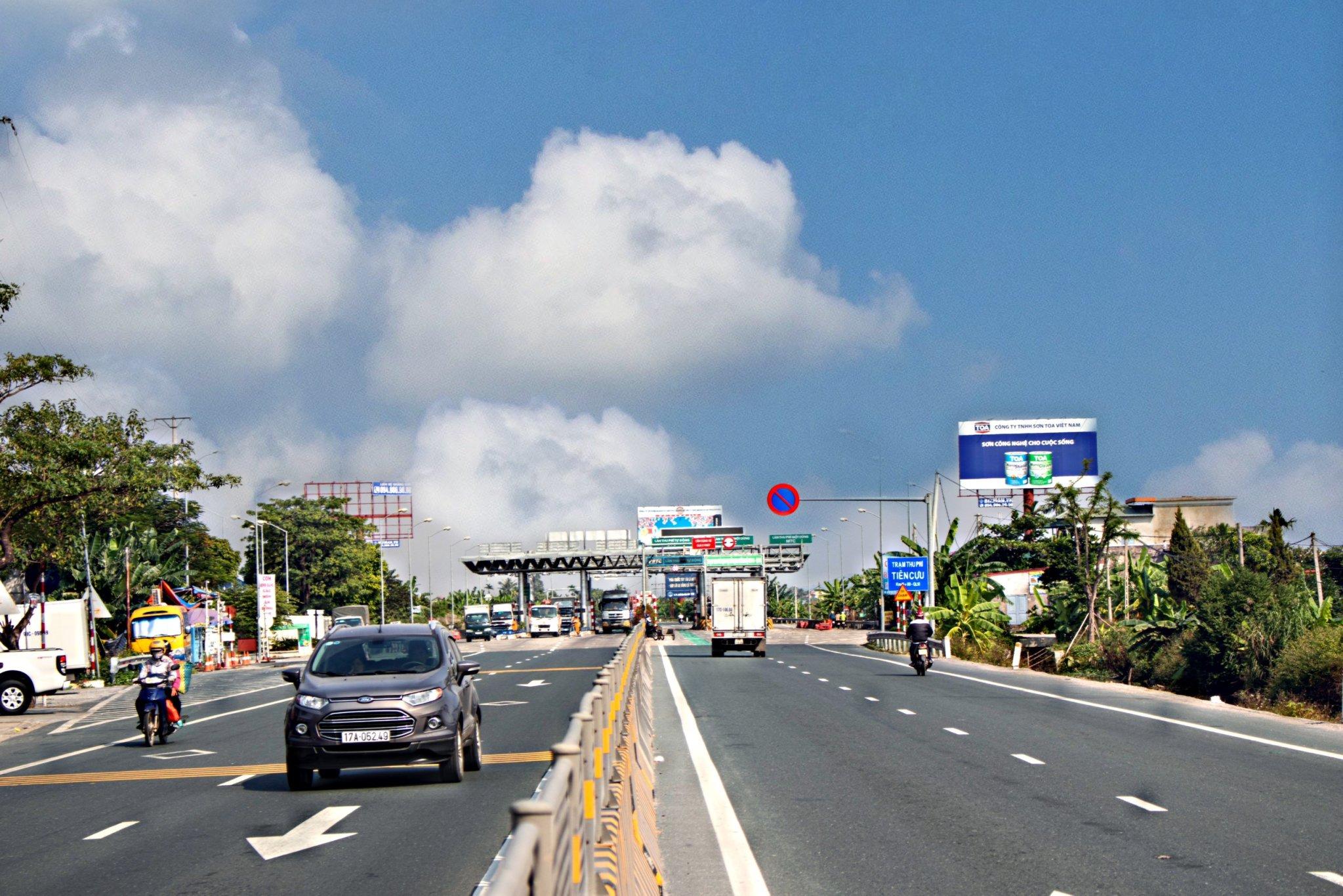 Vị trí Km41 + 50: Trạm thu phí Tiên Cựu, trên tuyến QL10, đoạn qua Tp.Hải Phòng