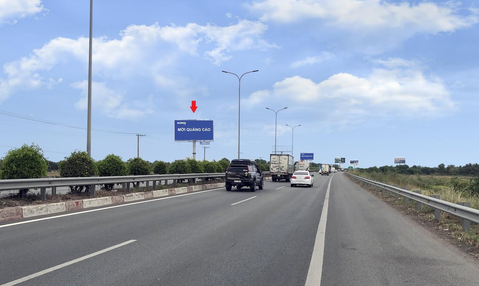Bảng quảng cáo trên Quốc lộ và Cao tốc